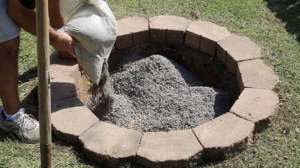 Filling the center of a fire pit with gravel
