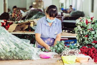 Artificial Christmas Wreaths Manufacturing