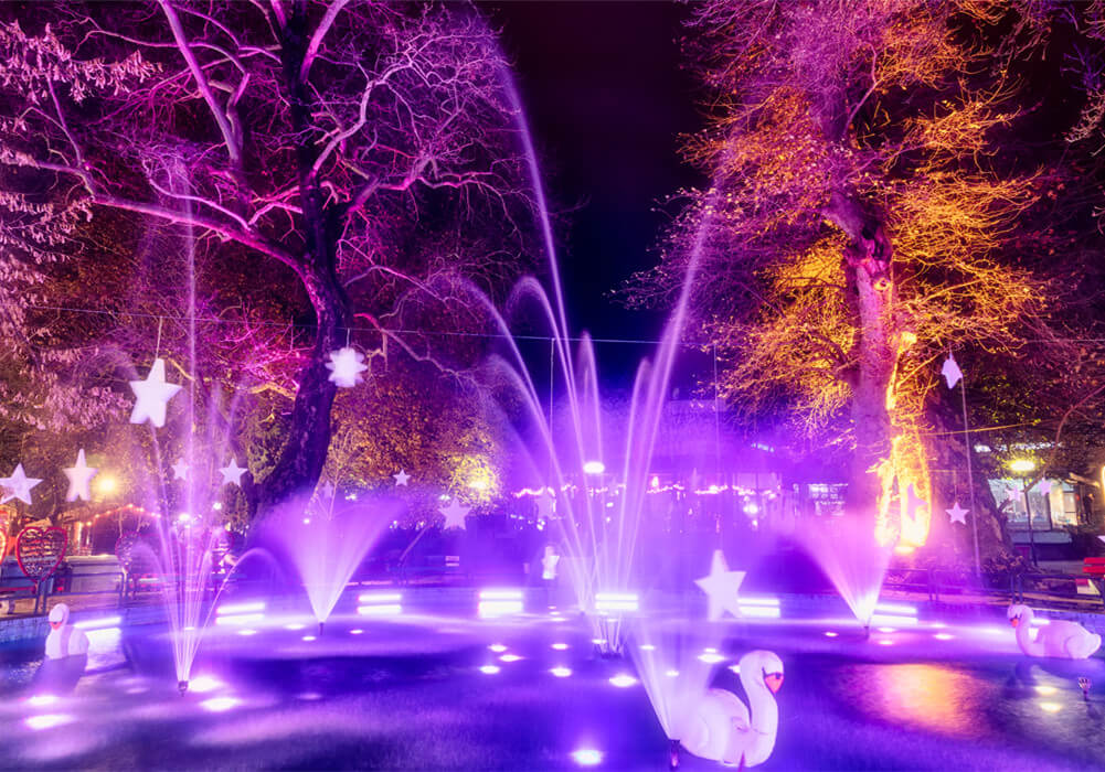 Musical Dancing Water Fountains With Lights